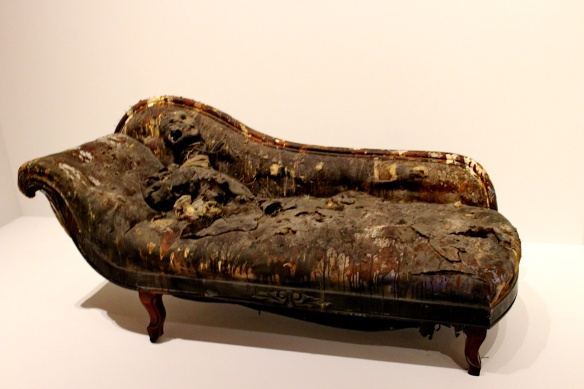 faiting couch