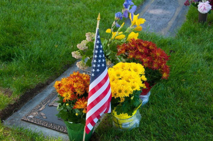 memorial-day-graves-2